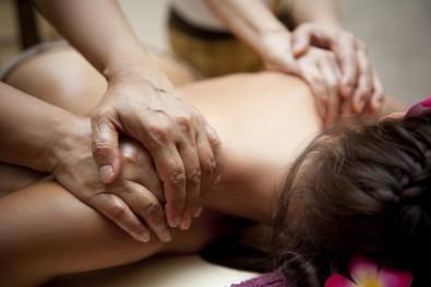 Massagem a Quatro Mãos 2